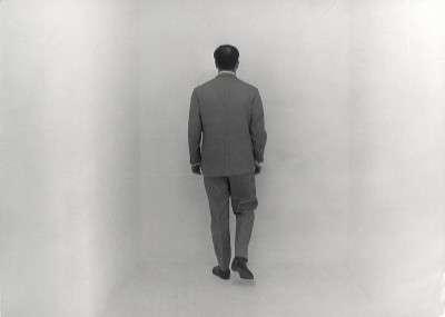 *Yves Klein nel vuoto della galleria-1961_krefeld_6
