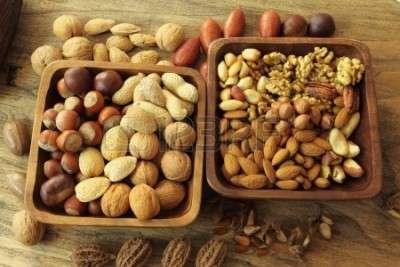 14004113-varieta-di-arachidi-frutta-a-guscio-mandorle-castagne-noci-pistacchi-e-noci-pecan-cibo-e-cucina
