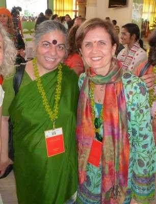 Marina Spadafora con Vandana Shiva