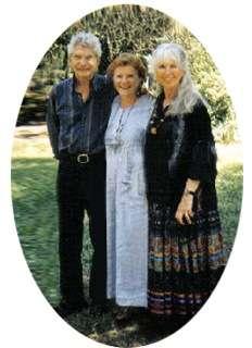 Silvana Borile, al centro, con Hal e Sidra Stone