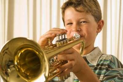 Boy-Horn-500