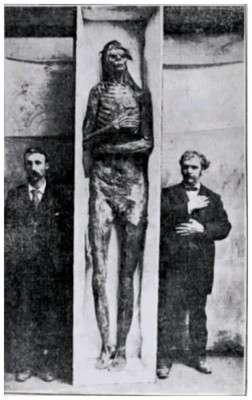 foto-mummia-gigante
