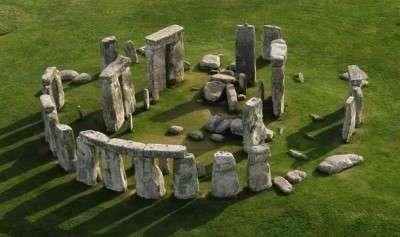 stonehenge_dall_alto