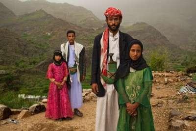 Yemen. Spose bambine