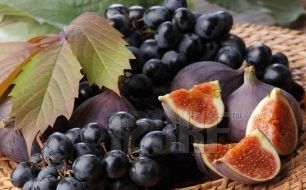 6.figs.and.grapes