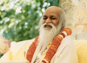 Maharishi-mahesh2