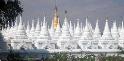Kuthodaw-Pagoda_Mandalay-My