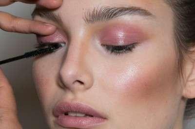make-up-labbra-e-occhi-in-rosa-quarzo