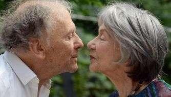 """Jean-Louis Trintignant e Emmanuelle Riva nel film """"Un amour""""."""