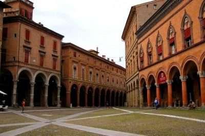 Piazza_Santo_Stefano_.Bologna