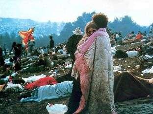 """Una scena del film """"Woodstock"""" sulla rivoluzione sessuale degli anni '60."""