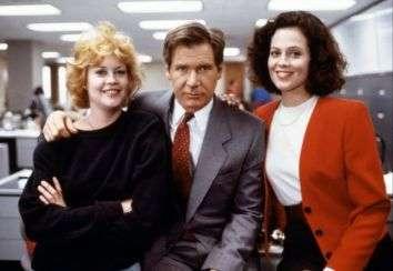"""Melanie Griffith, Harrison Ford e Sigourney Weaver in """"Una donna in carriera"""", di Mike Nichols (1988)."""
