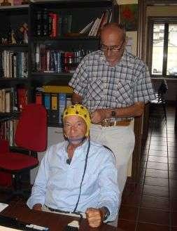 Biella. Il ricercatore William Giraoldini prova l'Olo Tes su Cozzi.